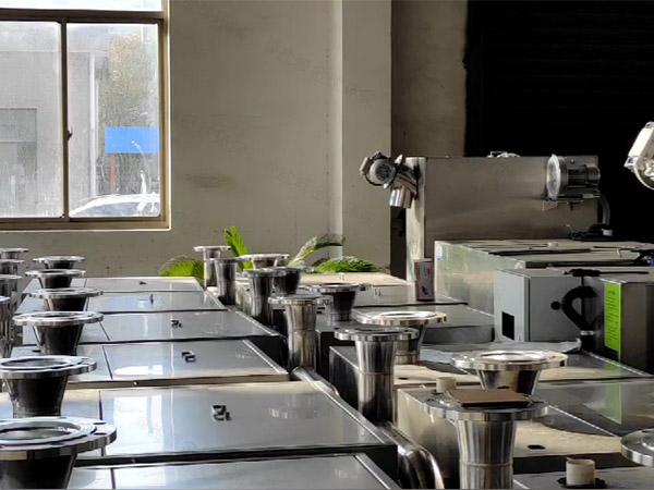 奶茶店一体化污水提升器水管尺寸
