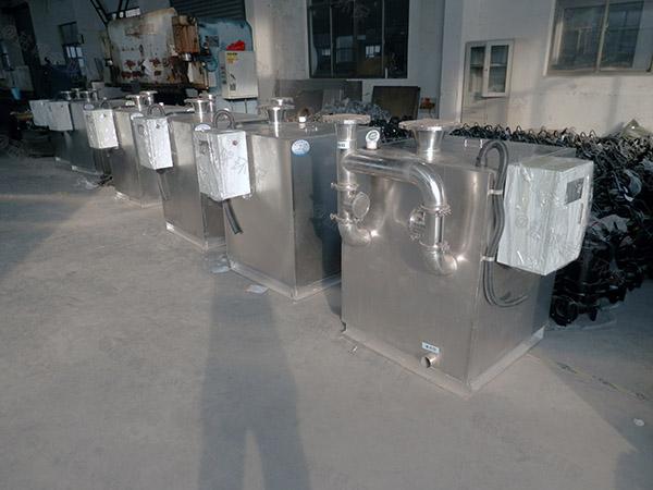 室内外置双泵污水提升器设备维修费用